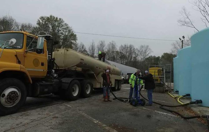 Brine Pumping into Tanker WEB